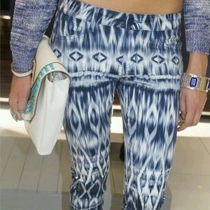 GUESS Brittney Abstract Print Mid Rise Leggings Boutique